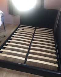 white and black slatted bed frame Bakersfield, 93307