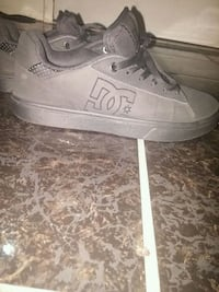 Dc shoes size 9 worn once Victoria, V8P 4G2