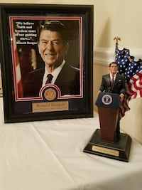 Ronald Reagan standing on podium scale figurine with portrait photo Charlotte, 28211