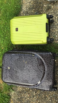 yellow and black plastic pet carrier Langley, V2Y 1V4