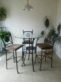 black metal framed glass top table with chairs Clinton, 20735