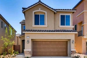 3 BED 3 BATH 2 CAR GARAGE SOUTHERN HIGHLANDS $364K