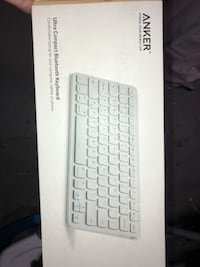 Anker wireless keyboard and stand for iPad Centreville, 20120