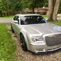 !! SRT8 !! HEMI !! 425HP!! Jeffersonville