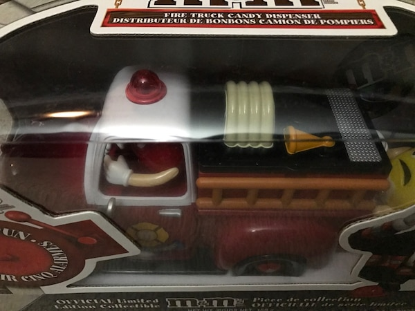 $100 OBO M&M Official Limited Edition Fire Truck Candy Dispenser  2cdbe5bb-3114-45cc-934d-b99f1171d4f7