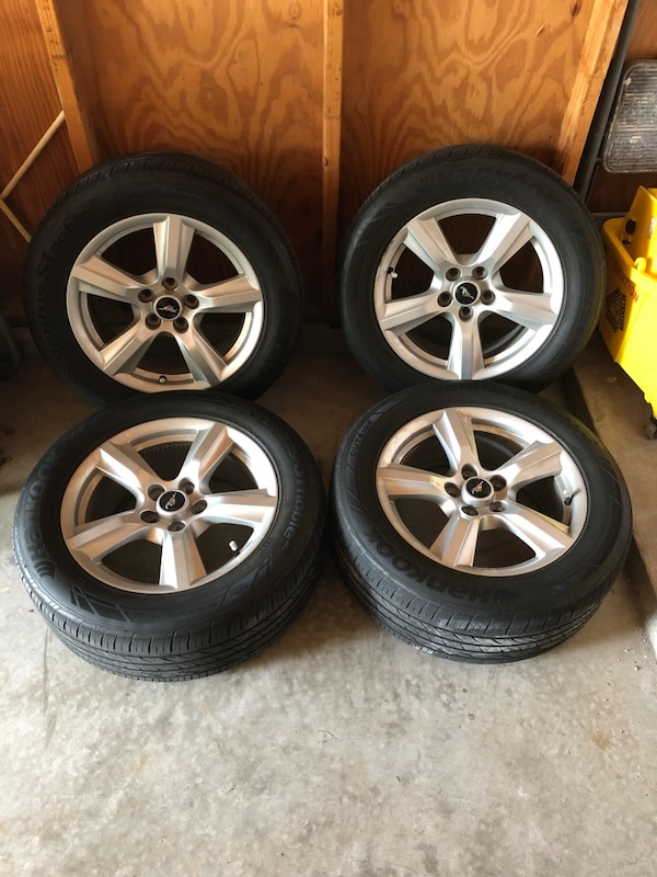 2017 Mustang Rims >> 2017 Ford Mustang Steel Alloy Rims And Tires
