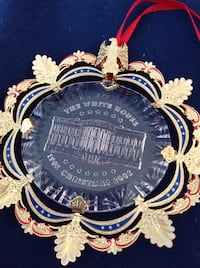 "2002 WHITE HOUSE CHRISTMAS ORNAMENT-NEW IN BOX.  COMMEMORATE THE YEAR, ""2002""-en Alexandria, 22307"