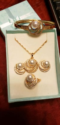 Cultured pearl set Annandale, 22003