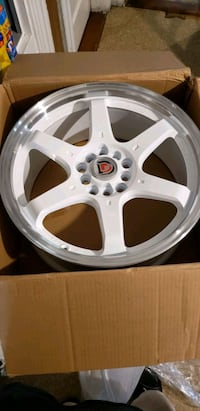 """17"""" inch white rims only like 5 month's old Manchester, 03103"""