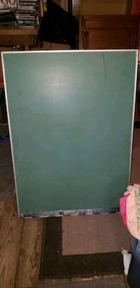 Large chalk board easel Waterford, N0E 1Y0