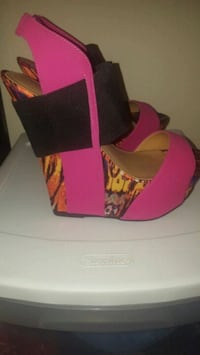 Size 9 wedges Lutz, 33549