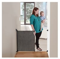 Retractable baby gate, new Martinsburg, 25401