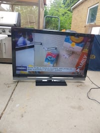 TV flat screen with remote  52 inch