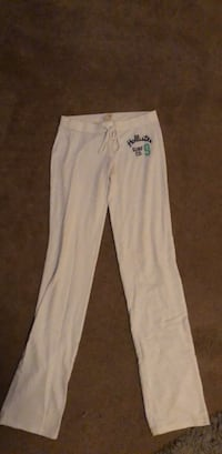 xs white hollister sweat pants  Dover, 19904