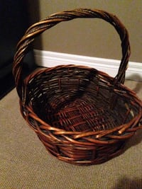 Wicker Easter basket with handle 17x18 Toronto, M8Y 4H5