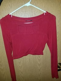 red scoop-neck long-sleeved shirt Toledo, 43604