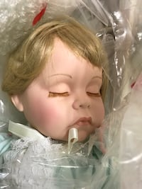 Danbury Mint collection sleeping porcelain baby Doll Frederick, 21703