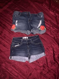 Juniors Size 9 shorts