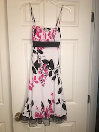Size Medium floral dress Evansville, 47725