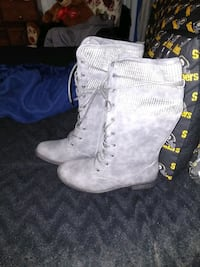 Grey boots w/ knit top Bennettsville, 29512