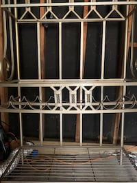 Very nice bakers rack, just needs the glass shelves.  Wine rack 2 Pearl, 39208