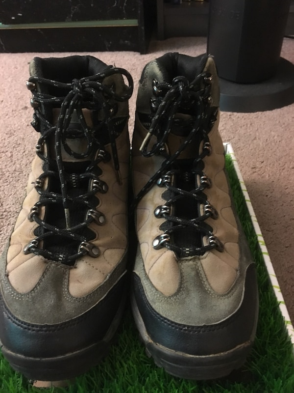 e19ce25b5b0b Used Bearpaw Leather Men s Hiking Shoes Size 10.5 for sale in Castro Valley  - letgo