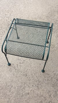 Outdoor metal end table