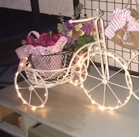Shabby chic bicycle plant holder Los Angeles, 90731