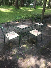 4 wrought iron chairs and table for free(no top) Odenton