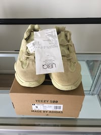 Yezzy 500 super moon yellow size 9 ds with reciept og all 50 km
