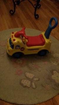 Fisher price ride in toy  Royal Oak, 48067