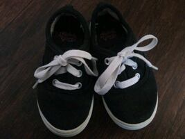 ***TODDLER KID'S SIZE 7 SHOES!***