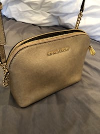 Michael Kors purse Skokie, 60077