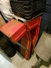 red and black metal tool chest Montreal