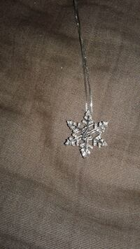 Open heart snowflake diamond necklace Port Clinton, 43452