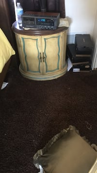 Two oval end tables Manalapan, 07726
