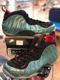 Gone fishing foams size 12 Kensington, 20895