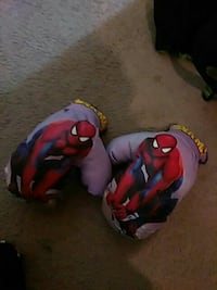 pair of purple Spider-Man gloves Portsmouth, 23701