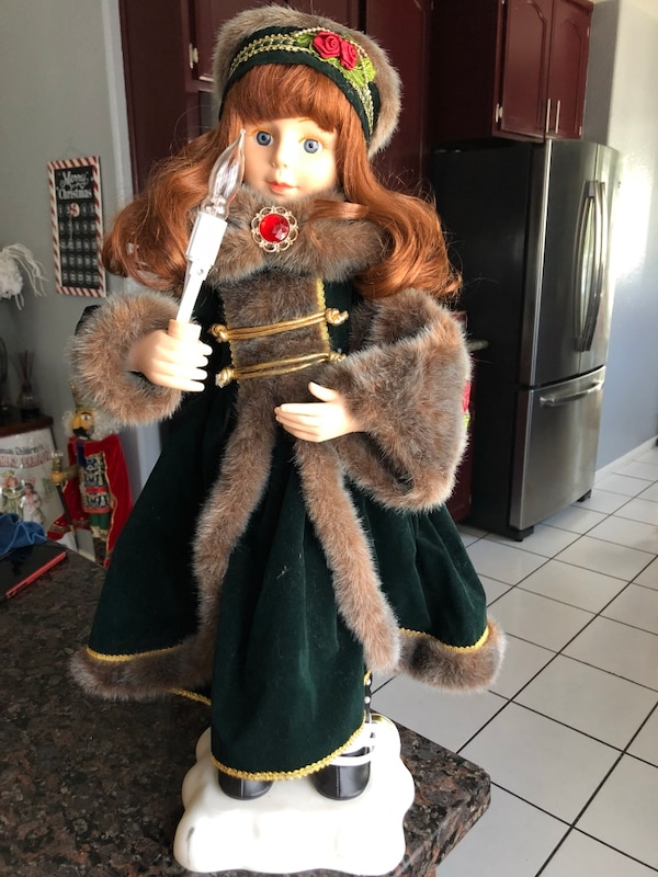CHRISTMAS DOLL ANIMATED VINTAGE DOLL OBO