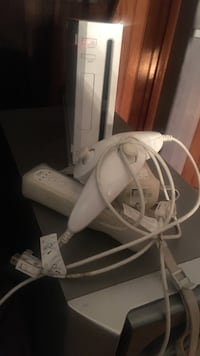 white Nintendo wii and accessories Buena Park, 90620