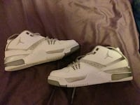 white-and-gray Air Jordan basketball shoes