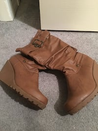 Ladies Boots Size 8 638 km