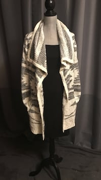 Ladies open knit cardigan  Edmonton, T6K 3K2