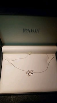 Double heart necklace never worn