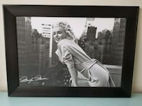 Large Framed Marilyn Monroe Picture 714 km