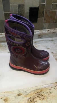 Winter boots  Cambridge, N1R 1N9