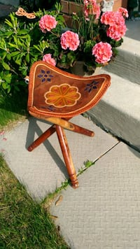 Embroidered leather chair Newmarket, L3X 1Z6