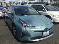 2018 Toyota Prius Hybrid Two CARFAX Fuel Efficient Wagon Keyless Entry Vancouver, 98662