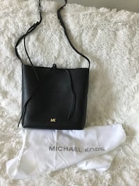 Purse leather New authentic Michael Kors Edmonton, T5H 1L9