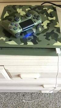 Limited edition Ps4 shipping only  Delray Beach, 33445